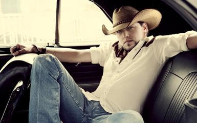 jasonaldean Jason Aldean Packs For The Road